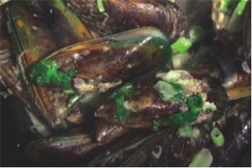 Waiheke Wok-Cooked Mussels
